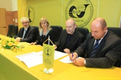 DAAAM_2016_Mostar_11_Sign_of_Donation_Contract_Dr_Stopper_University_of_Mostar_003