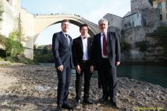 DAAAM_2016_Mostar_18_5th_DS_Group_Photo_under_Old_Bridge,_City_and_VIP_Dinner_167